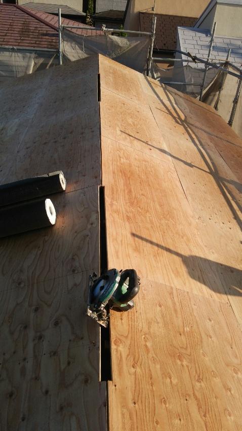 構造用合板12mm増張り・換気棟の通気口2ヶ所