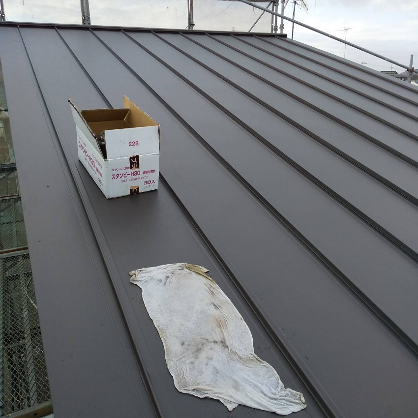 屋根材棟取り付け