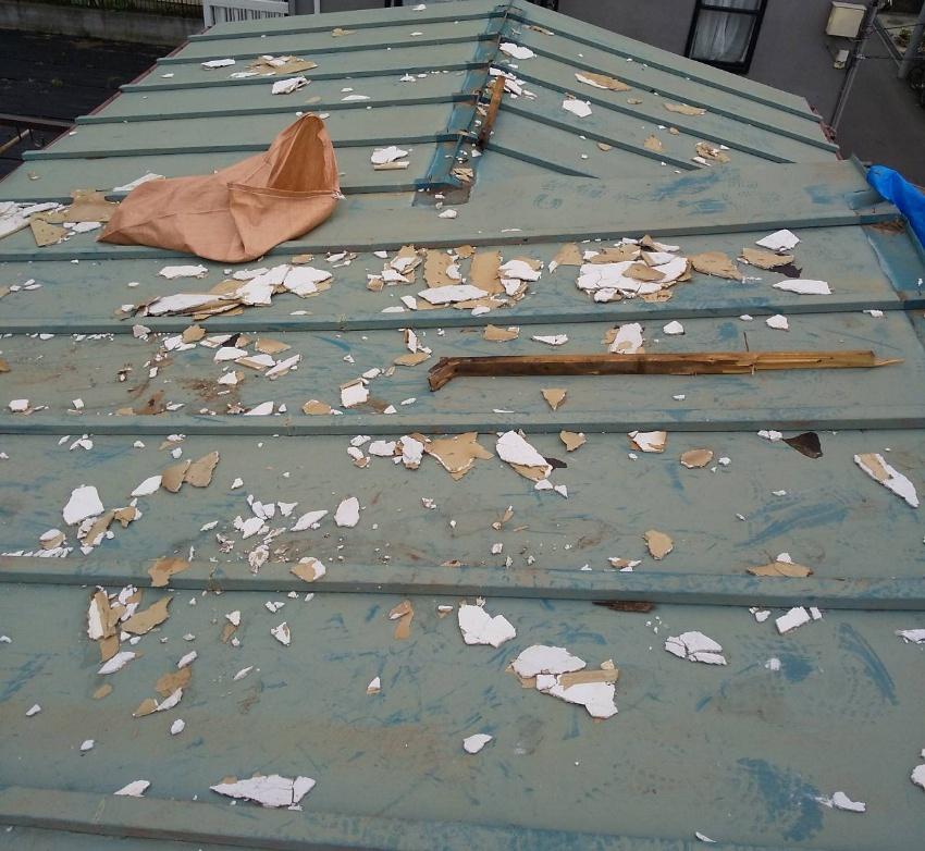 台風被害による屋根破損